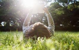 پنج نشانه درونگرایی : تعریف درونگرایی و تشخیص آن