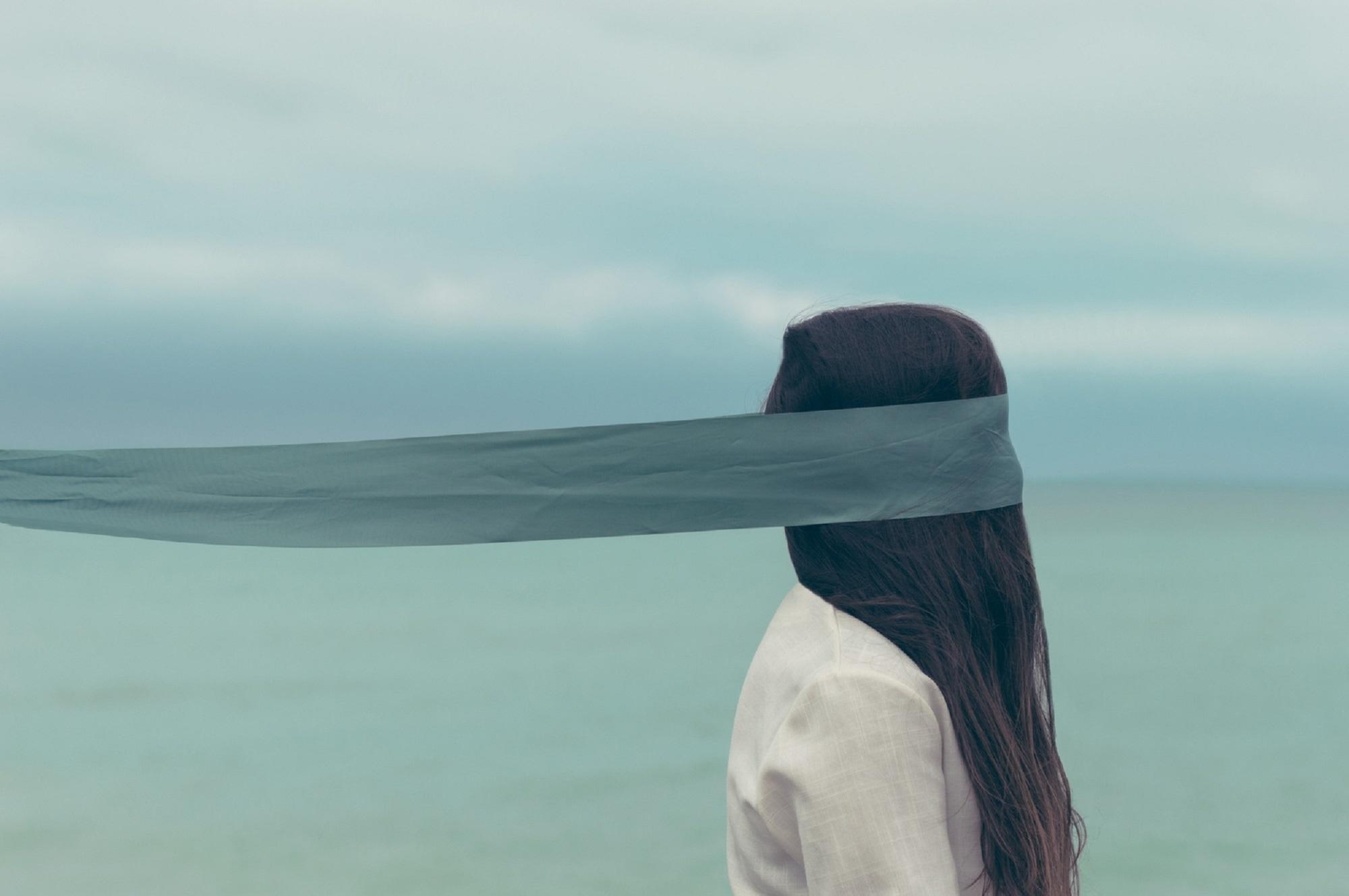 اختلال شخصیت اسکیزوتایپی چیست؟ تعریف، ویژگیهای تشخیصی و درمان