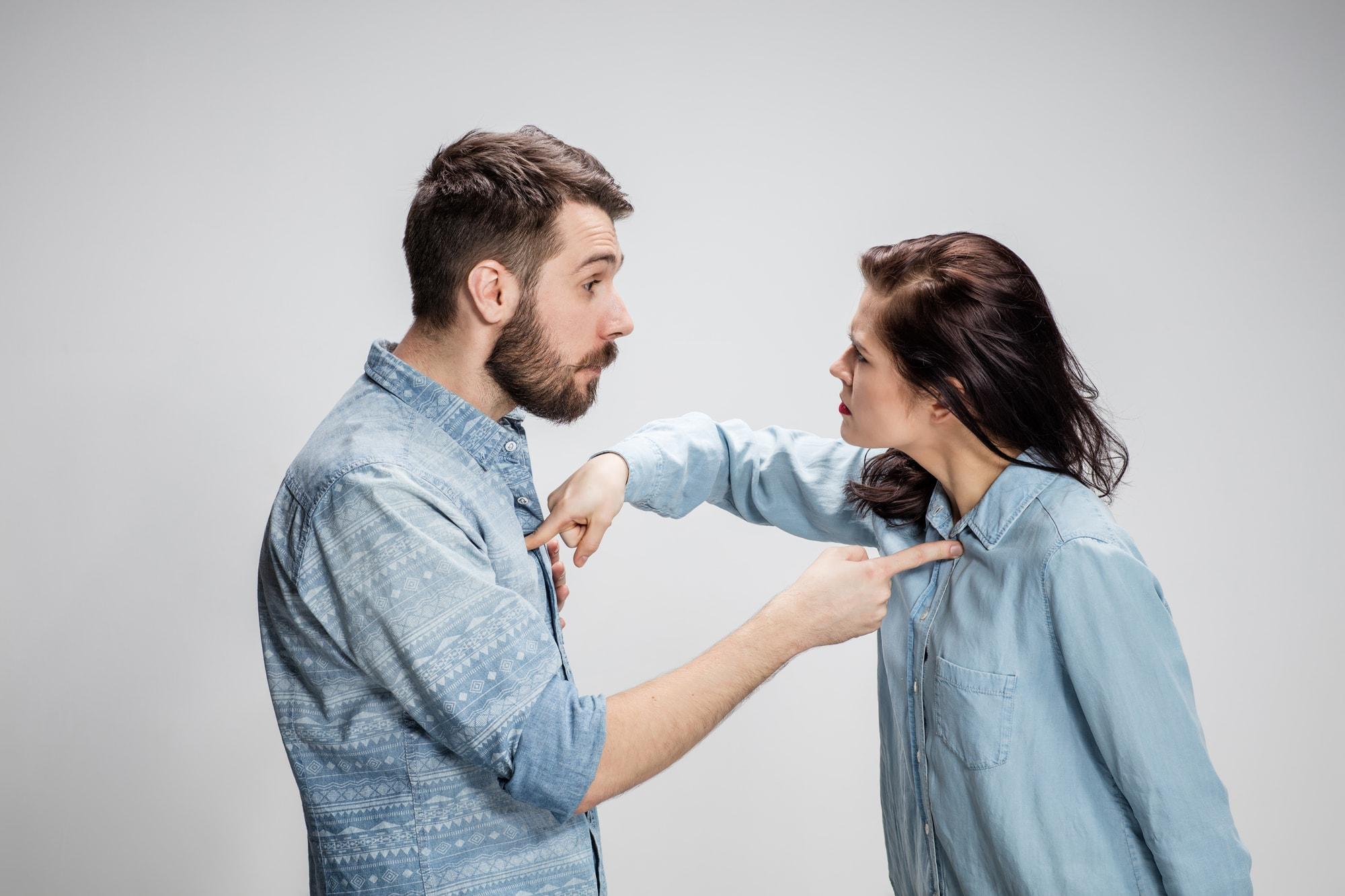 زوجها بر سر چه مسائلی بحث میکنند؟