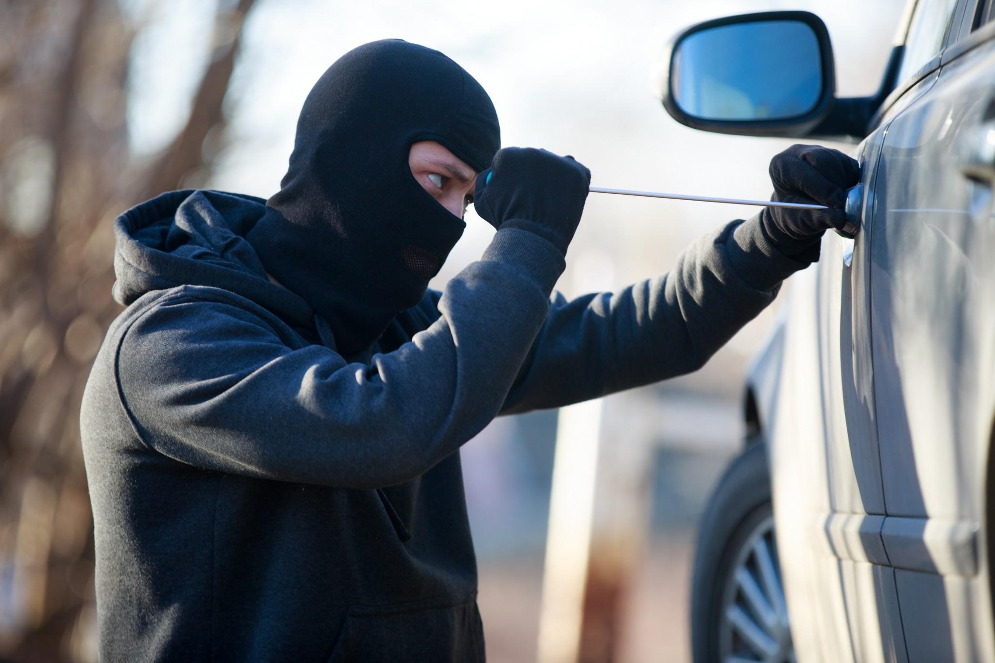 چرا مردم سرقت میکنند؟
