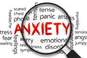 زندگی با اضطراب چگونه است؟ در مقابل فرد مضطرب چه کاری میتوانیم انجام دهیم؟