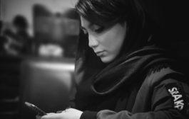 چرا نمیتوانیم بدون گوشی موبایل خود سر کنیم؟ (چگونه دلبستهی تلفن همراه خود میشویم؟)