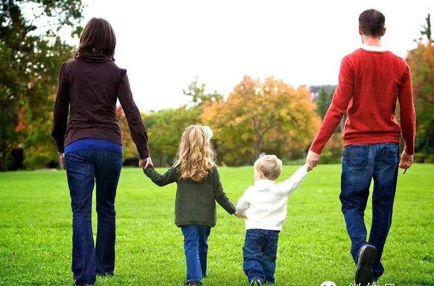 تغییر نقش و کارکرد خانواده در جوامع سنتی به جوامع مدرن