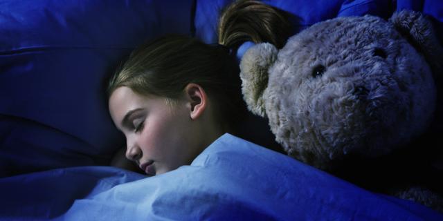 چه کار کنیم که بچهها به موقع به رختخواب بروند؟