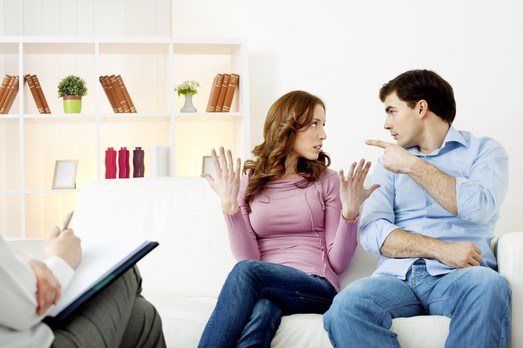 برانگیختن خشم و ناراحتی همسر: چه کسی، چه کسی را اذیت میکند؟
