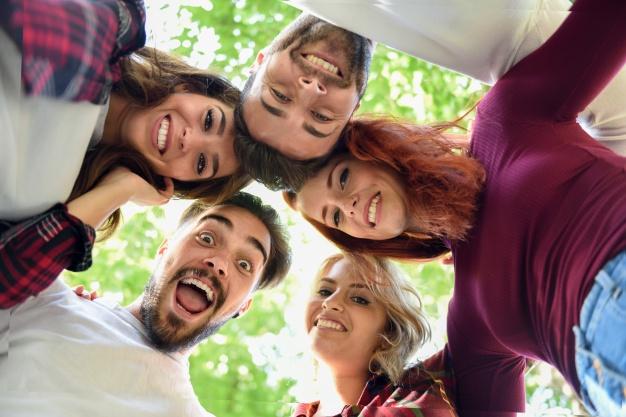 شباهت شخصیتی در روابط صمیمانه: آیا زوجین و افرادی که روابط دوستانه با یکدیگر دارند ازنظر شخصیتی به هم شبیهند؟