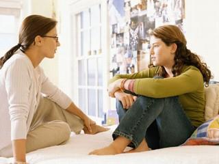 گوش کردن فعال در رابطه با نوجوانان چگونه معنا مییابد؟