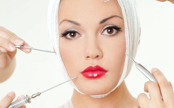 چه عواملی  بر گرایش افراد به جراحی زیبایی تاثیر دارد؟